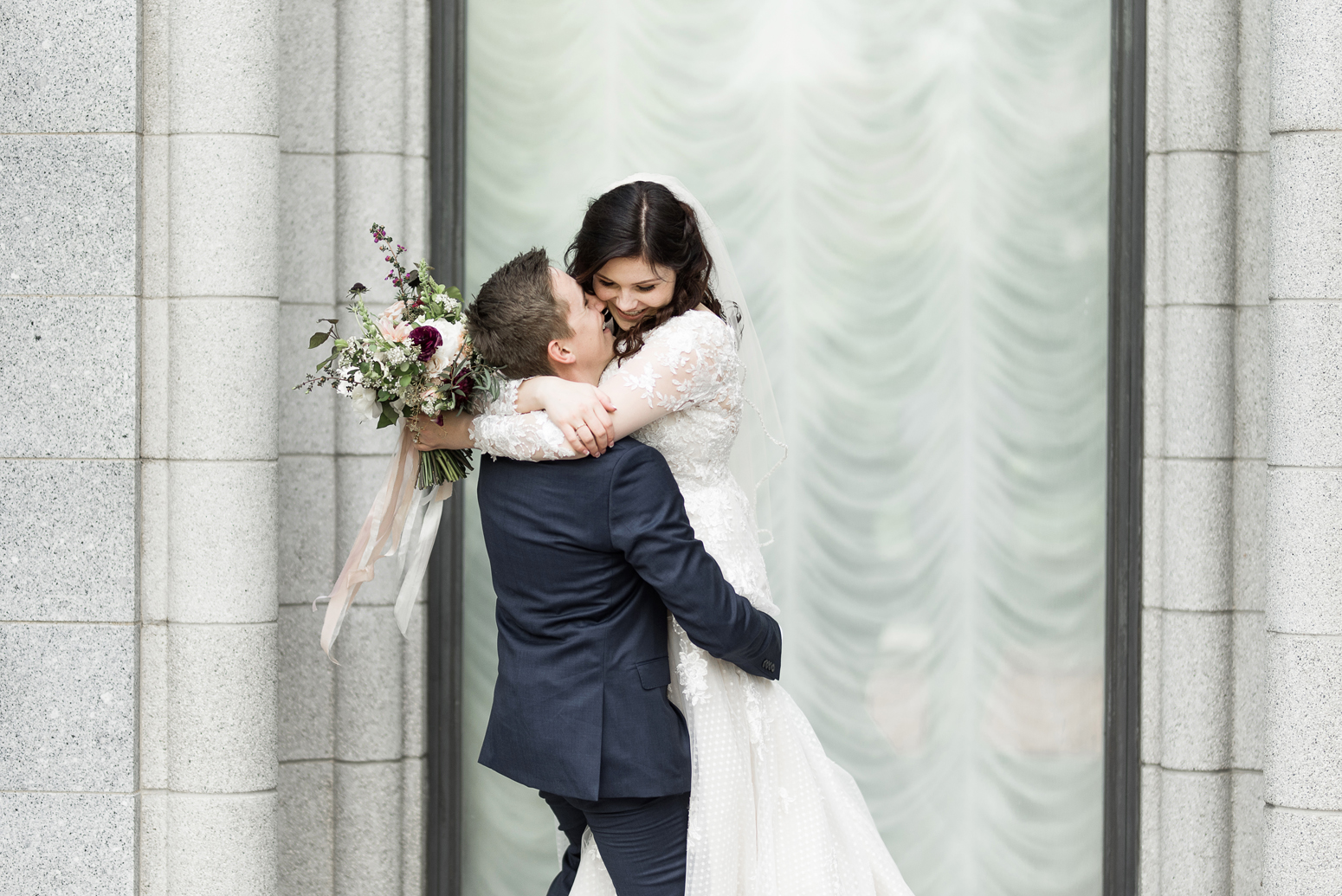 candid utah wedding photography salt lake city lds temple