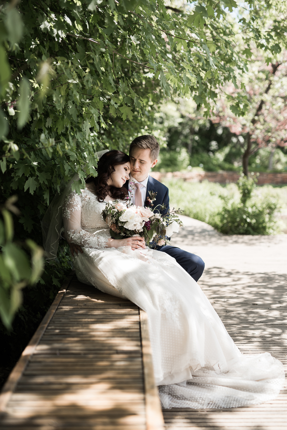loving wedding photography at red butte gardens | Elisha Braithwaite Photography