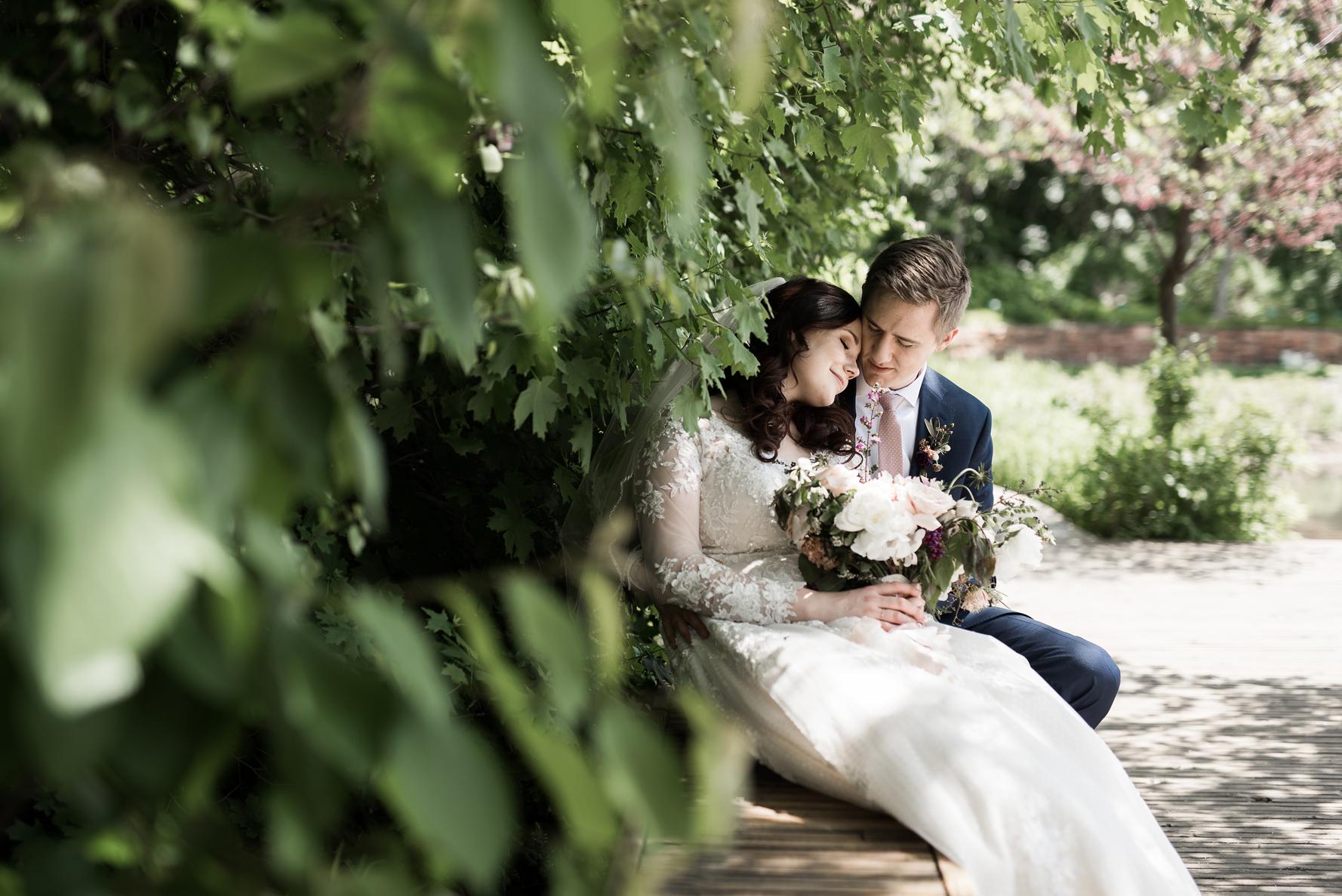 loving wedding photography | Elisha Braithwaite Photography