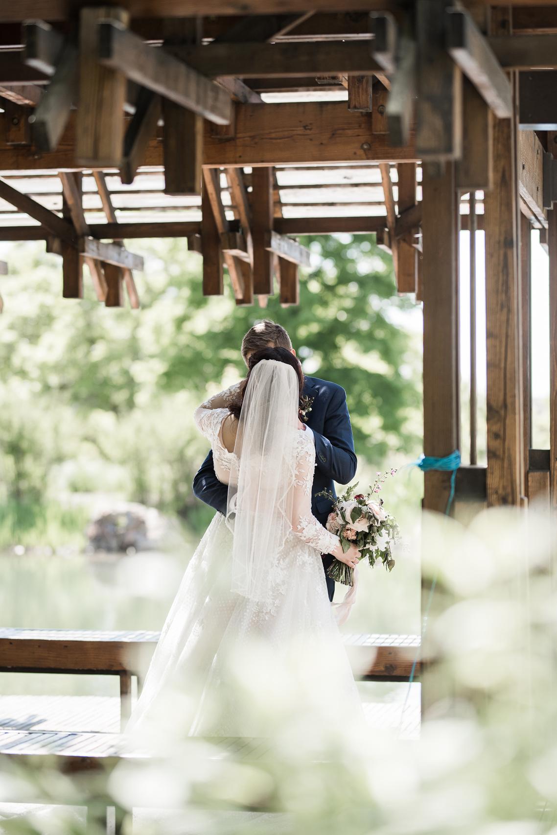 red butte gardens spring wedding | Elisha Braithwaite Photography