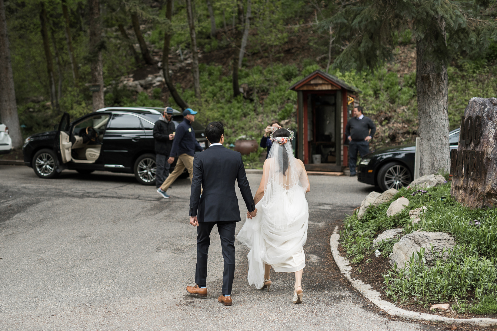 candid wedding photography at log haven utah