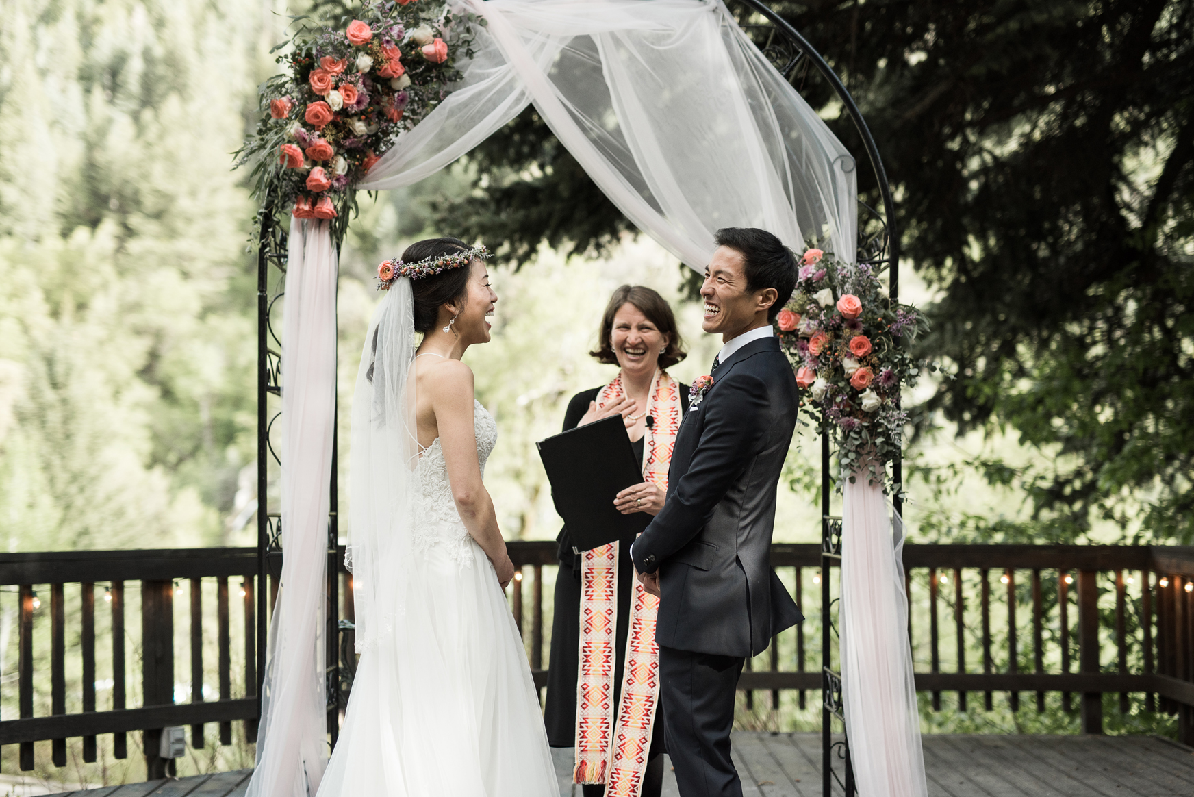 utah mountain wedding at log haven