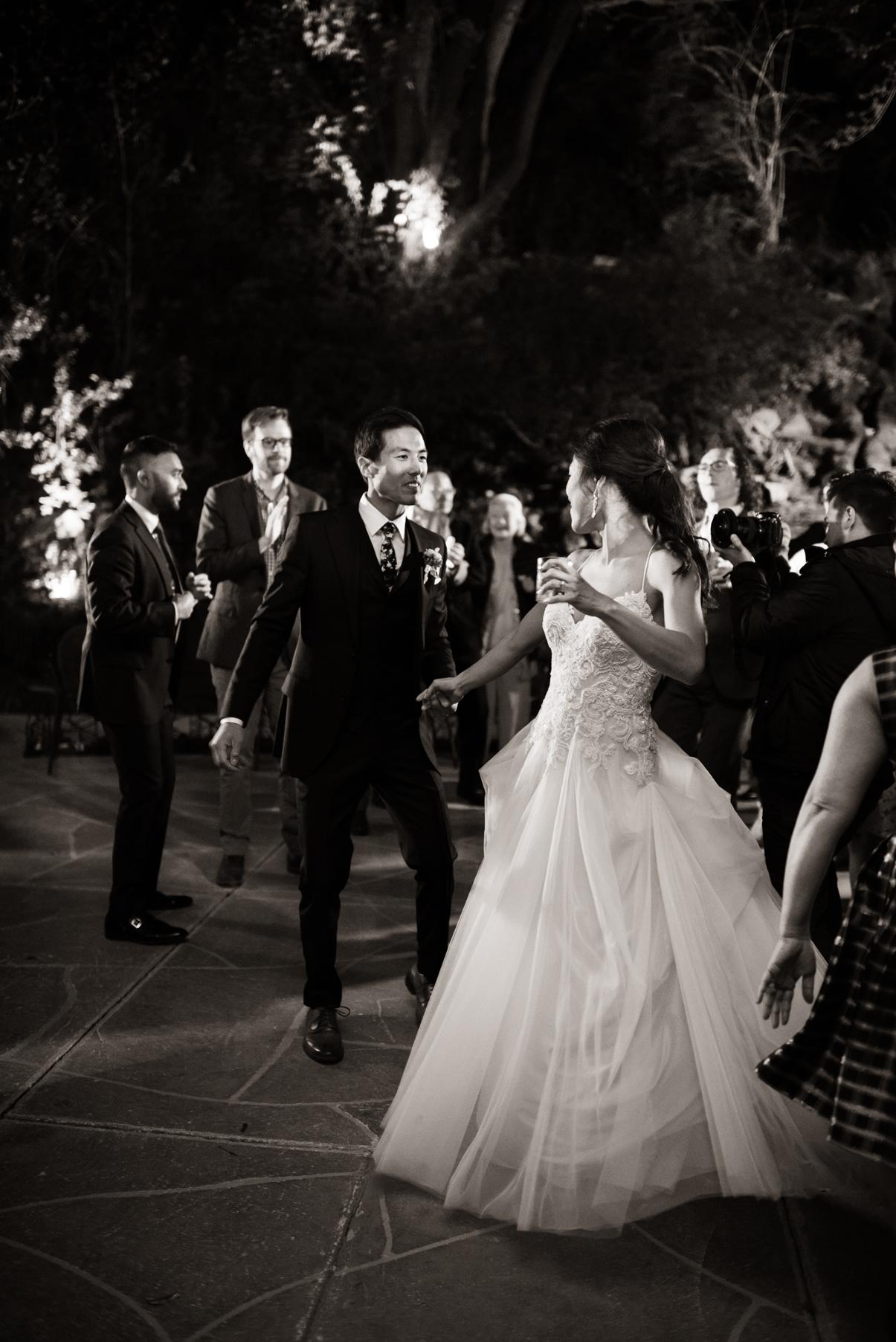 candid photography utah wedding party
