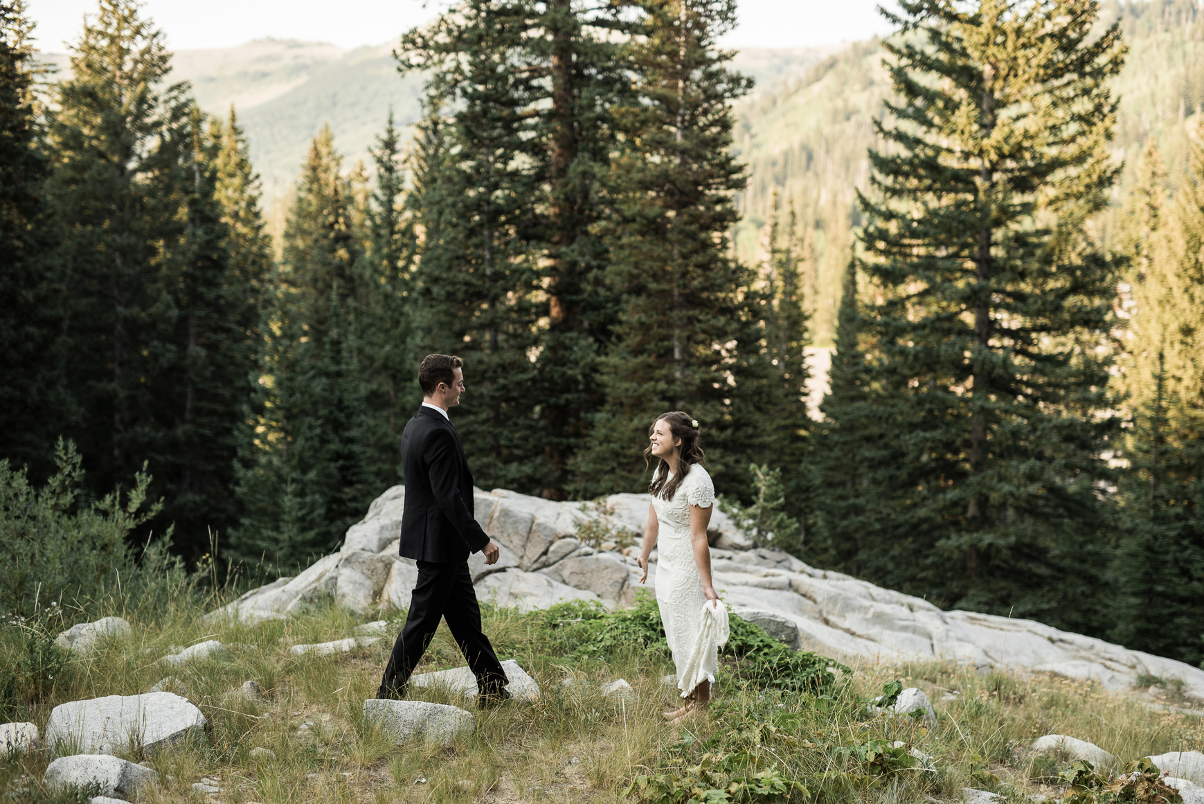 couples first look in the mountains