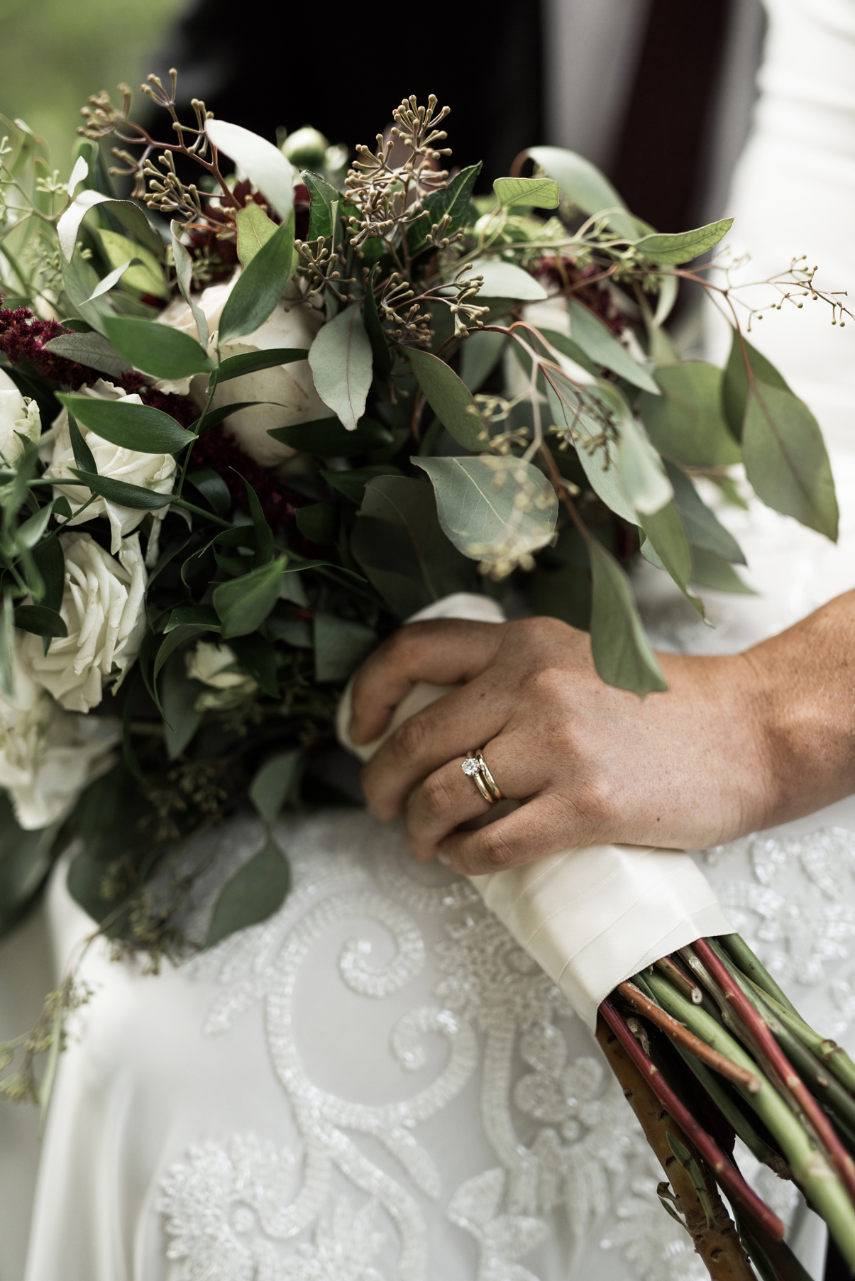 custom wedding ring with natural bouquet