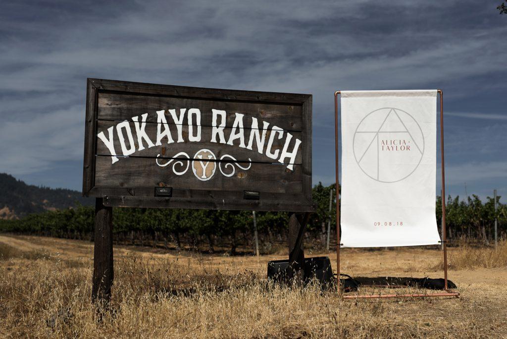 minimalist wedding sign of yokayo ranch