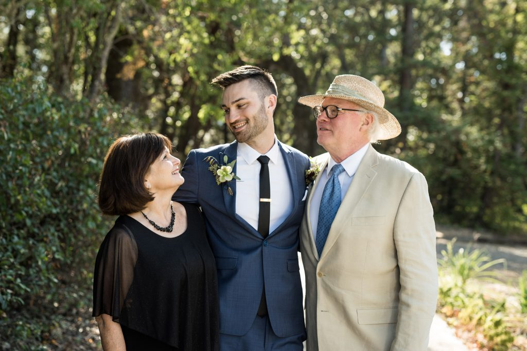 candid family wedding portraits