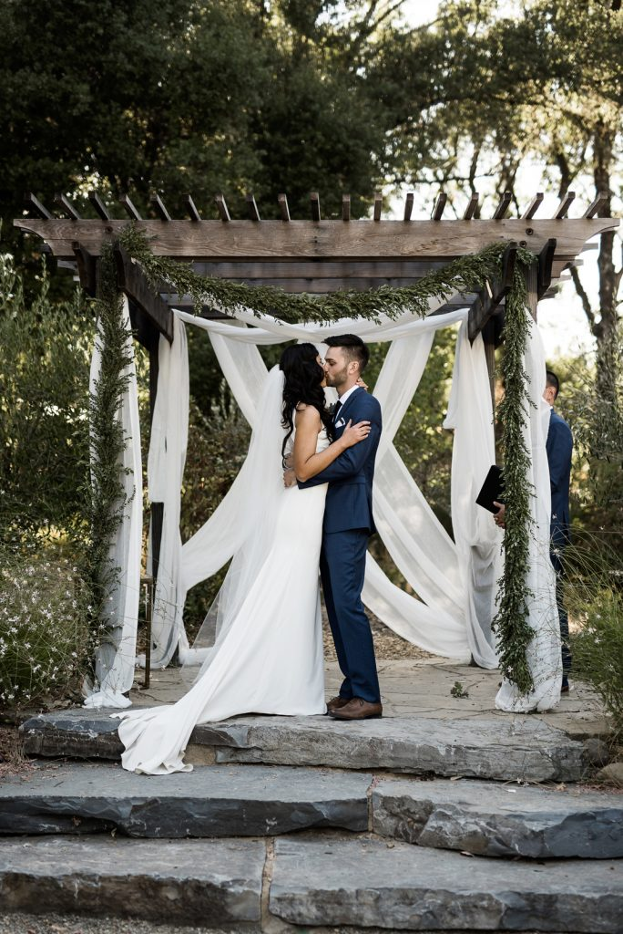 wedding kiss at yokayo ranch