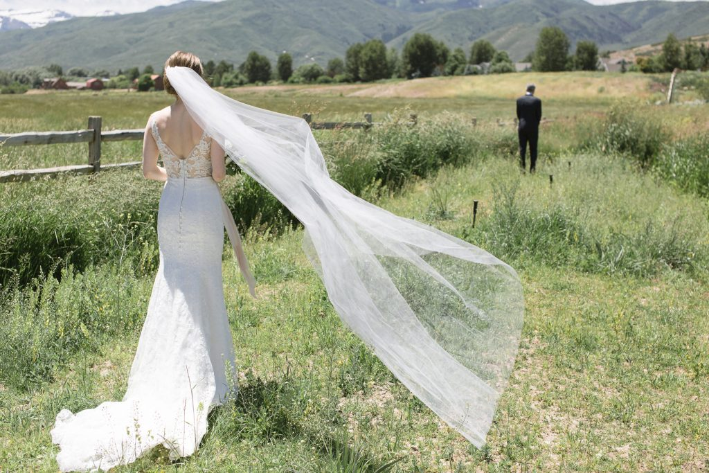 River Bottoms Ranch First Look by Elisha Braithwaite Photography
