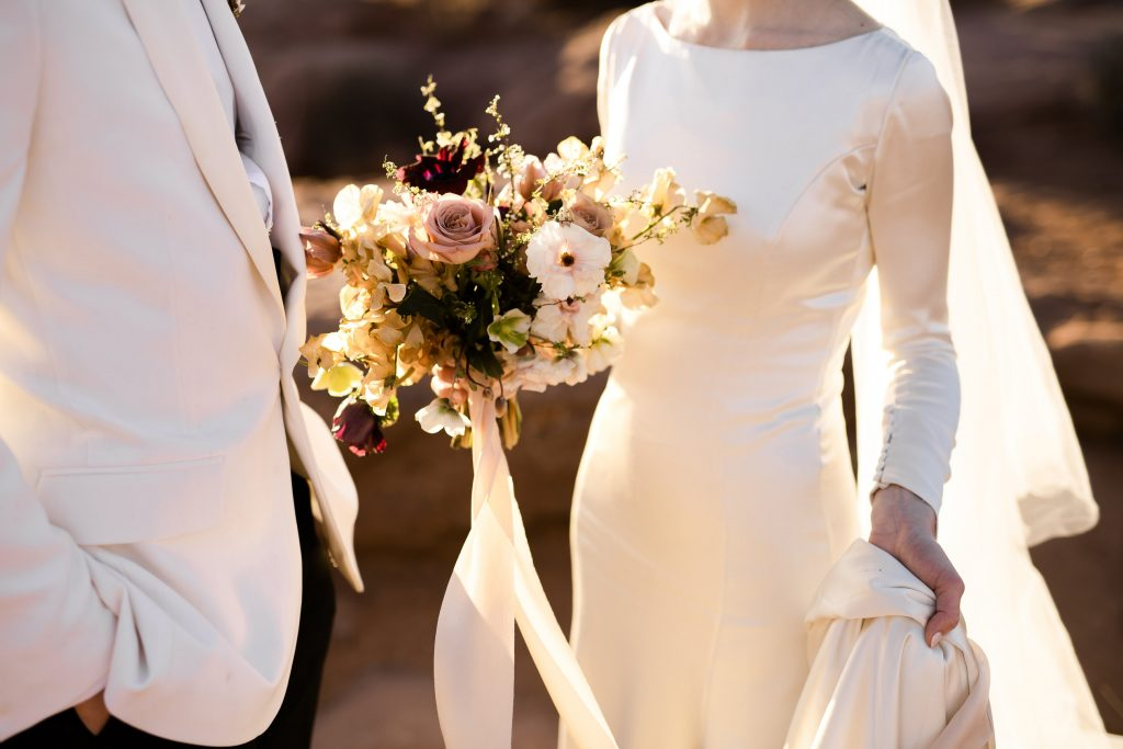 Classic wedding details in the desert