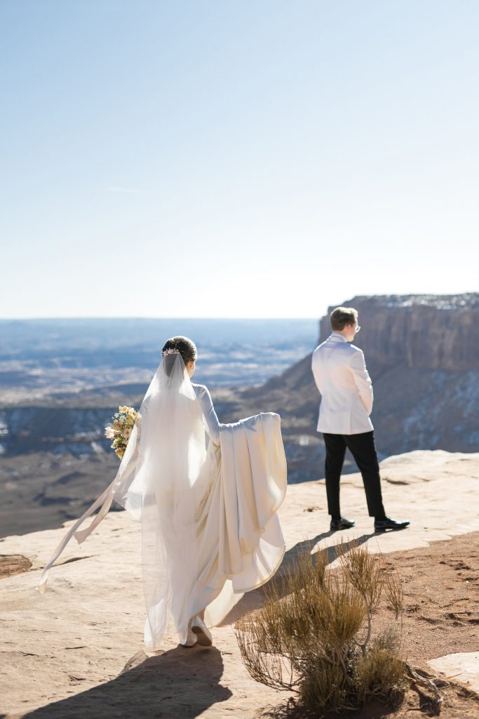 Wedding reveal at Green River Overlook
