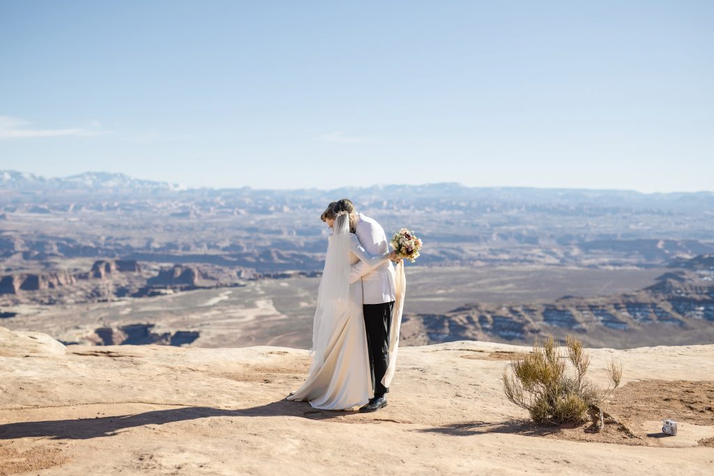 Bride and groom at canyonlands national park